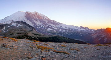 The North Face of Mount Rainier - The Wonderland Trail Book